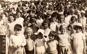 Photo:Children on the beach - Hazel is 2nd from the right in the front row