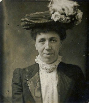Photo:Clara in the 1900s