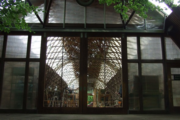 Photo:Downland Gridshell entrance doors