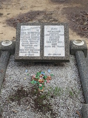 Photo:Arthur and Ada's grave in Perth
