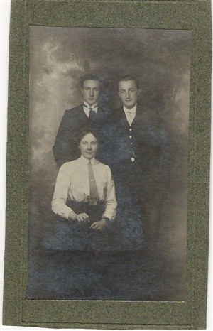 Photo:Daniel Edward, Albert George and Rosina May Clayton